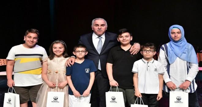 Fatih Belediyesi Bilgi Evleri'nde Yılsonu Coşkusu