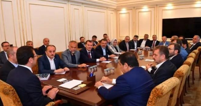 İBB Başkanı Ekrem İmamoğlu'na AK Partili ilçe belediye başkanlarından ziyaret