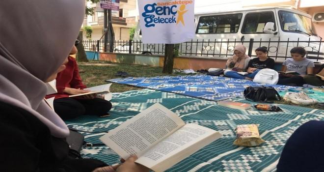 Sancaktepeli Gençlerden Kitap Okuma Seferberliği