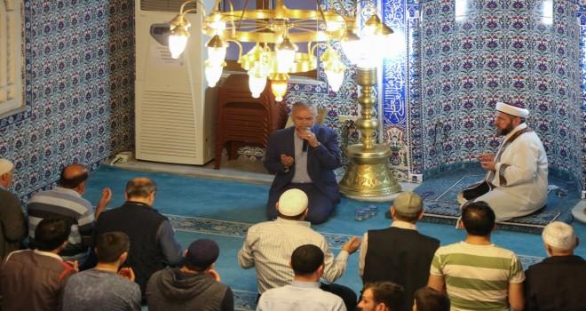 RAMAZAN'DA GÖNÜLLER KUR'AN-I KERİM'LE HUZUR BULUYOR