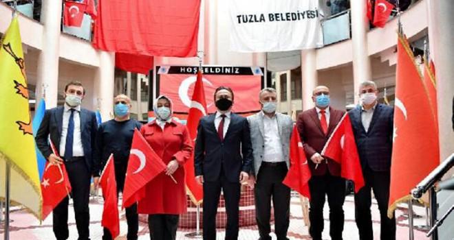TUZLA'DA 600 METRELİK DEV TÜRK BAYRAĞI DALGALANDI