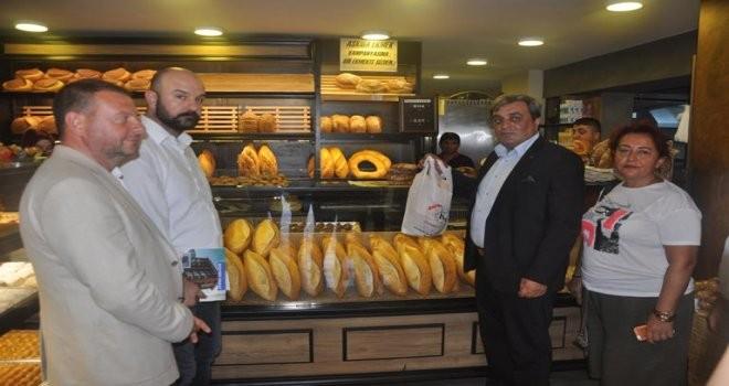 """Çekmeköy MHP """"Askıda Ekmek"""" Yardımlaşmasına Destek Verdi"""