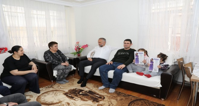 BAŞKAN POYRAZ MEHMET AKİF MAHALLESİ'NDE HOŞ GELDİNİZ DEDİ