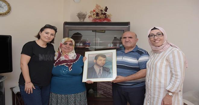 Tuzla Belediyesi Gönül Elleri Çarşısı'ndan Şehit Ailelerine Bayram Ziyareti