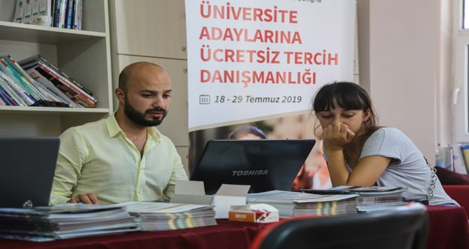 Maltepe Belediyesi'nden Öğrencilere Ücretsiz Tercih Danışmanlığı