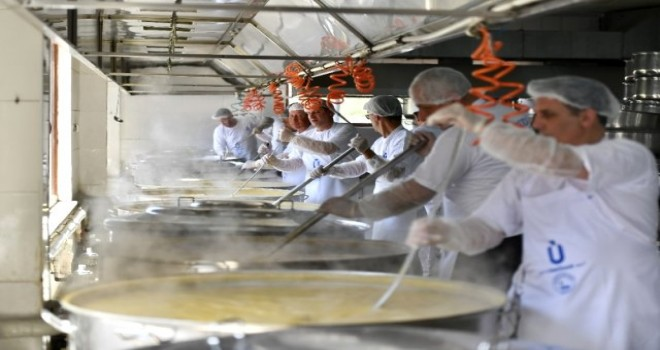 İstanbul'da 30 bin kişilik İftar Yemeği Hazırlanıyor